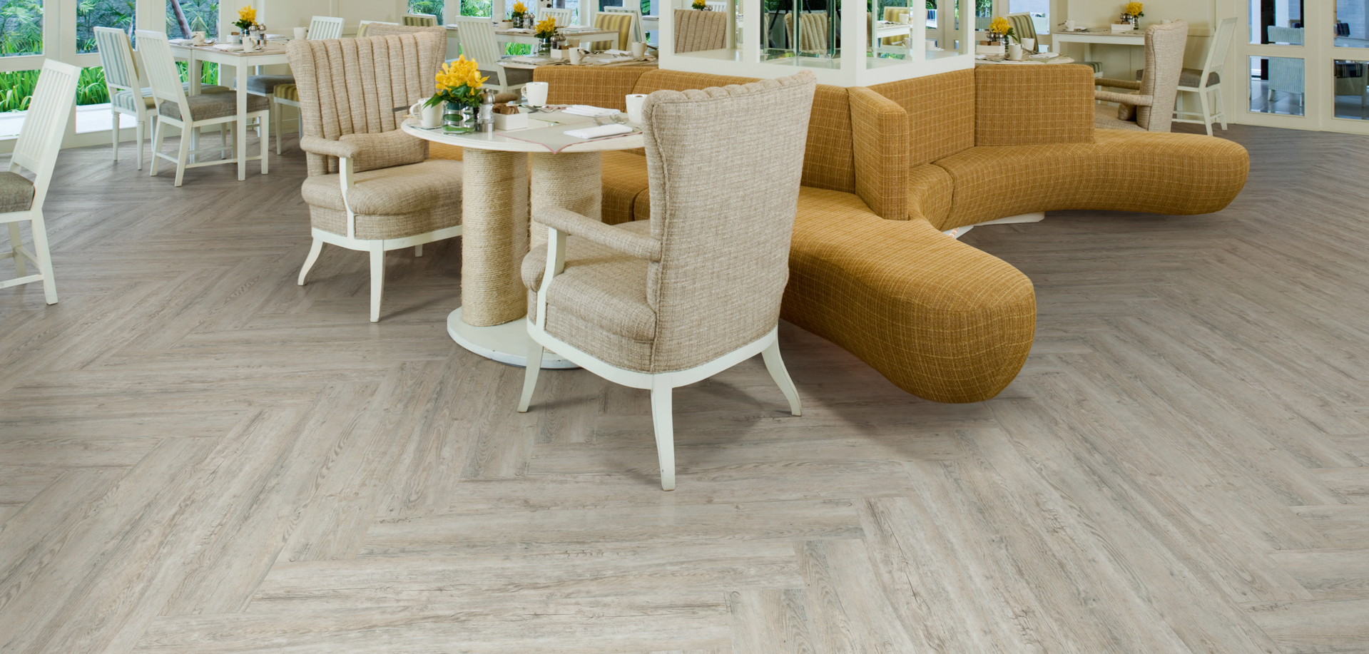 What's the difference between vinyl and laminate flooring?